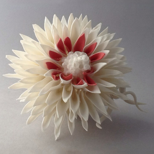 Ceramique botanique- Francoise Joris - Dahlia van porselein